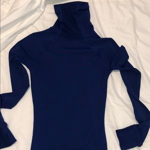 Under armmour long sleeved workout shirt